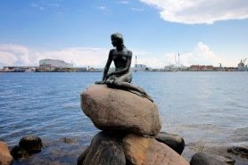 Statue of the Little Mermaid by Edvard Erikson